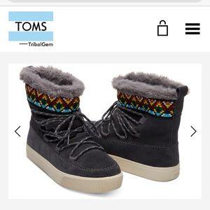 Nwob toms Alpine boots size 10